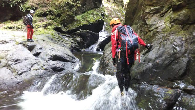 抜け口がすべりやすい滝