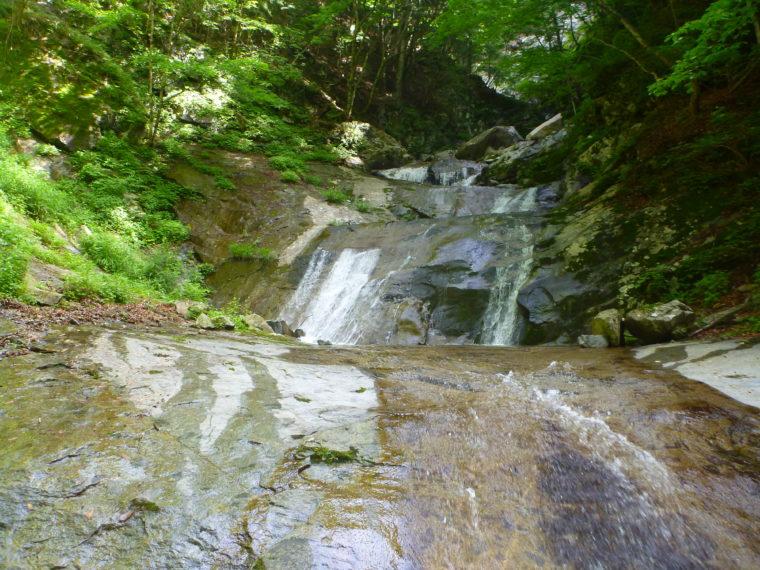 3段12mナメ滝