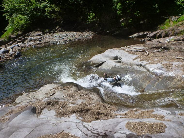 湯檜曽川でスライダー