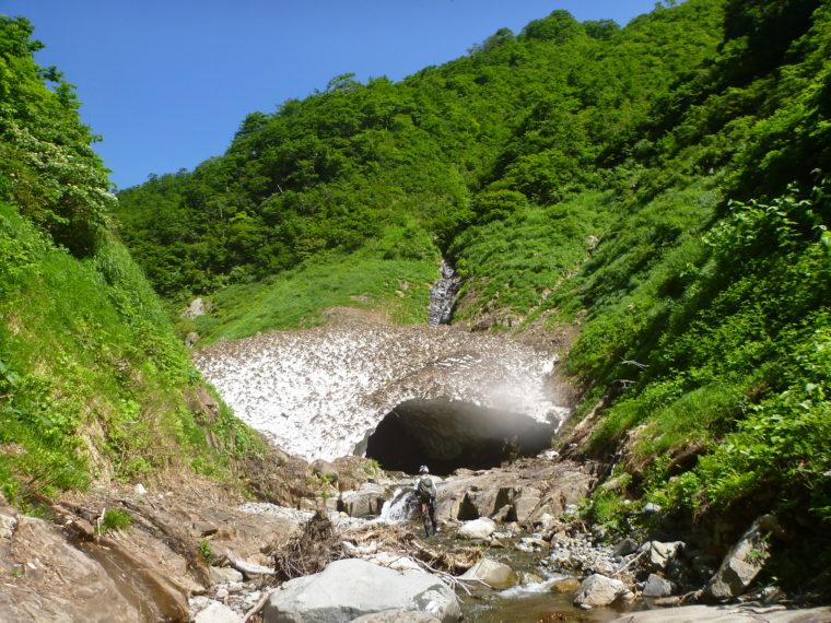湯檜曽川の雪渓