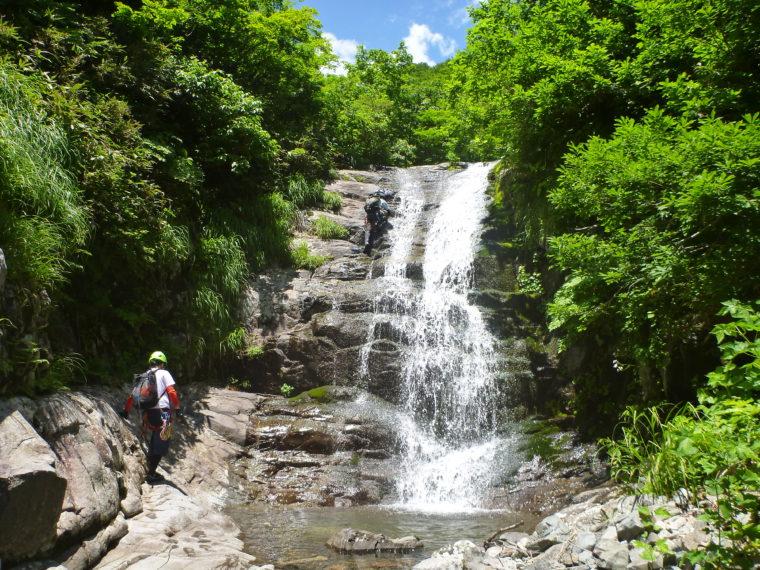 幅広8m滝