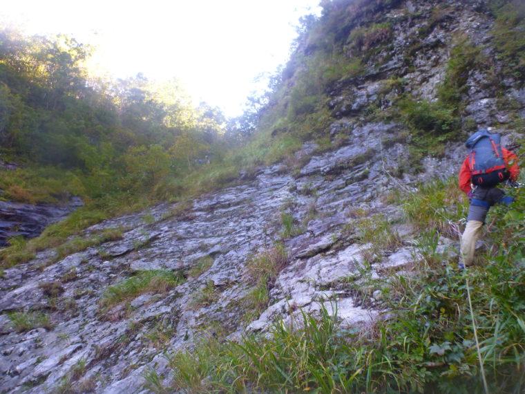 三ノ滝二段目を巻き気味に登る