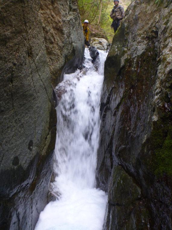 つっぱり滝内部