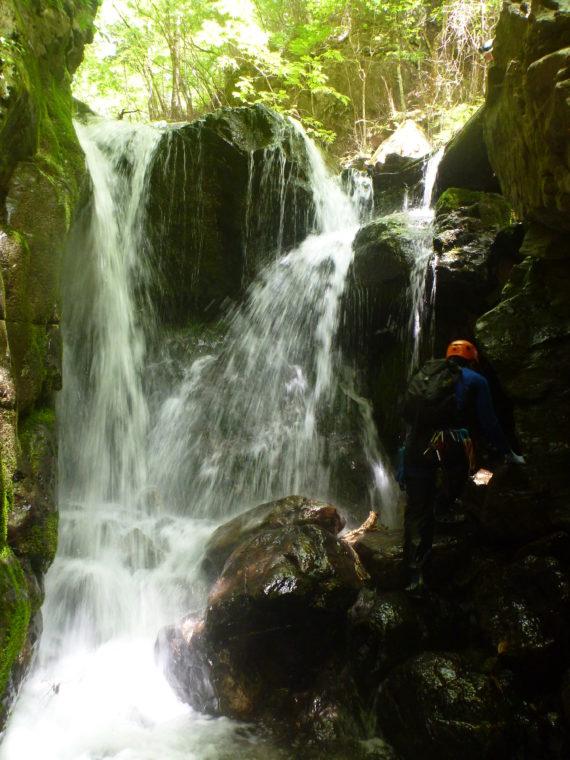 4mCS滝