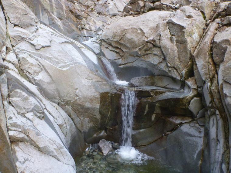 ナメ連瀑帯