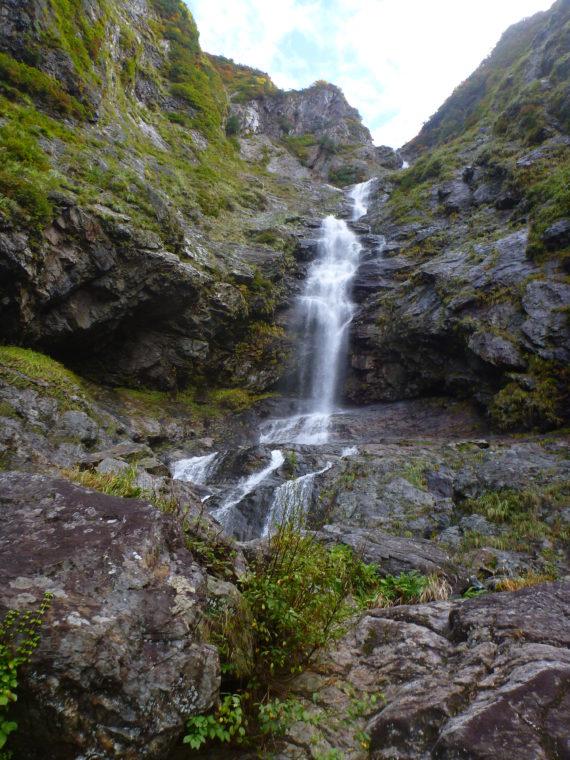 サナギ滝下