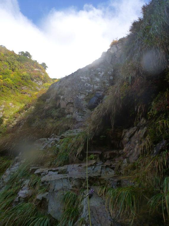 サナギ滝上部左のクラック